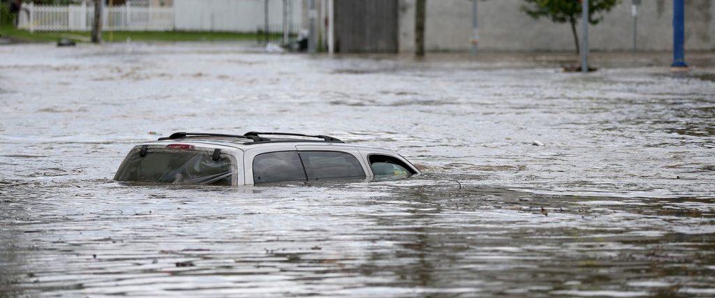 660 Mobil Listrik Kena Banjir Gratis Terbaru