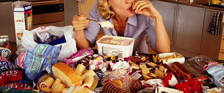 hubungan stress dan makan stress eating
